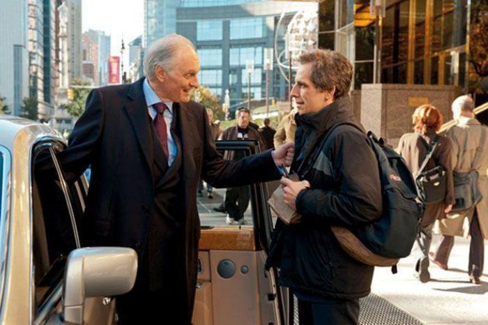 """Alan Alda y Ben Stiller en """"Un golpe de altura"""" (2011)"""