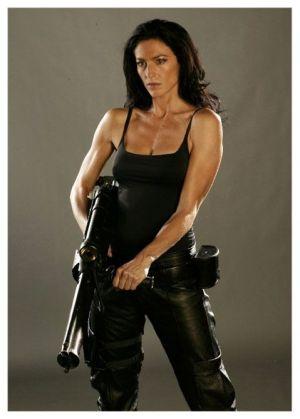 Claudia Black es Aeryn en la serie Farscape