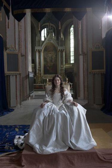 """Una reina adelantada a su tiempo. Análisis del DVD """"Reina Cristina (La mujer que fue rey)"""""""