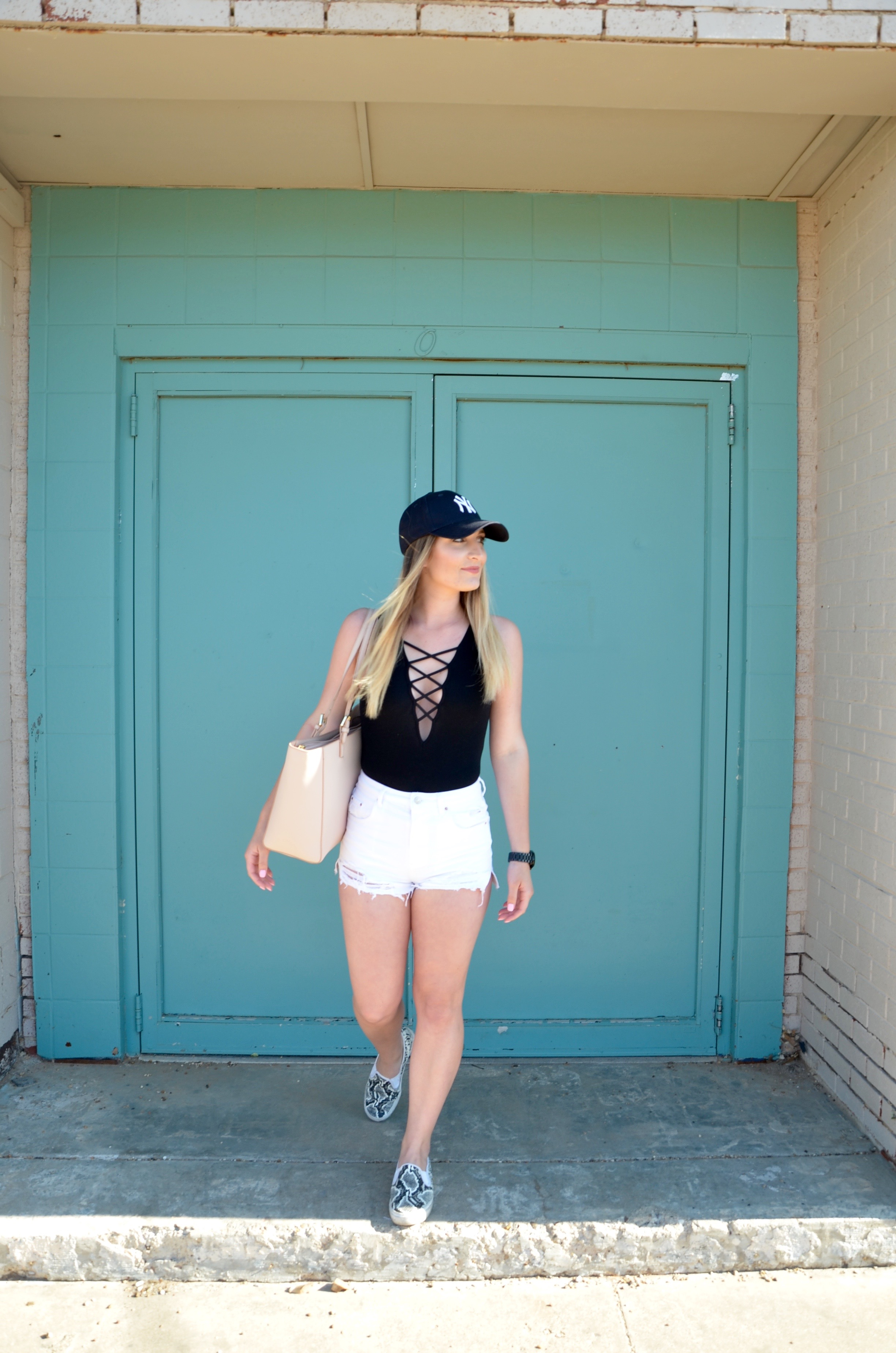 travel outfit for on the go - Travel Outfit Of The Day by popular Texas style blogger Audrey Madison Stowe