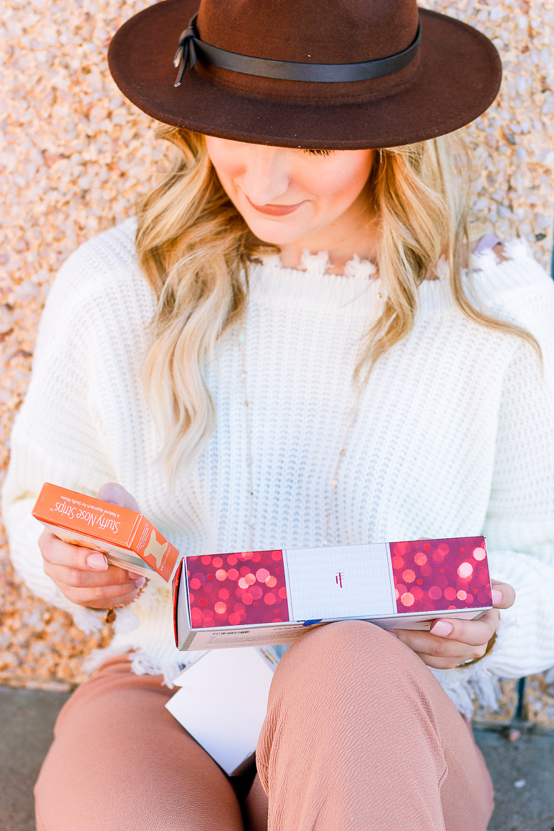 Products You Need for the Cold Weather | Candles, tea, winter | Audrey Madison Stowe a fashion and lifestyle blogger