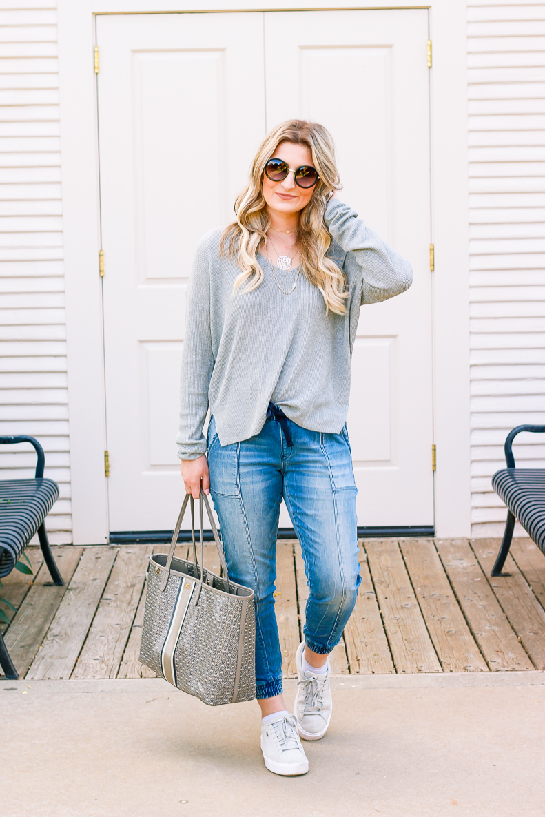 Go-to Relaxed outfit with DENIZEN from Levi's Jeans | Jean Joggers | Audrey Madison Stowe a fashion and lifestyle blogger | Denizen Jeans styled by popular Texas fashion blogger, Audrey Madison Stowe