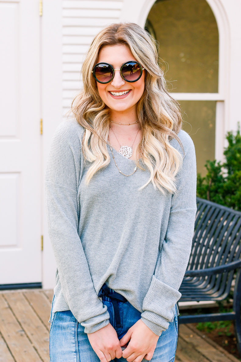 Go-to Relaxed outfit with DENIZEN from Levi's Jeans | Jean Joggers | Audrey Madison Stowe a fashion and lifestyle blogger