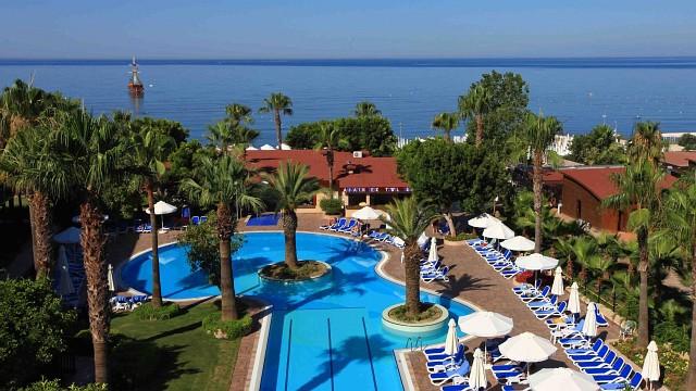 Die besten Strandhotels - Hotel Grand Side