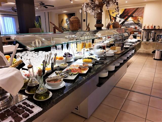 Üppiges Buffet auf Gran Canaria