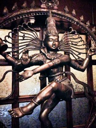Curry zone - statua ingresso