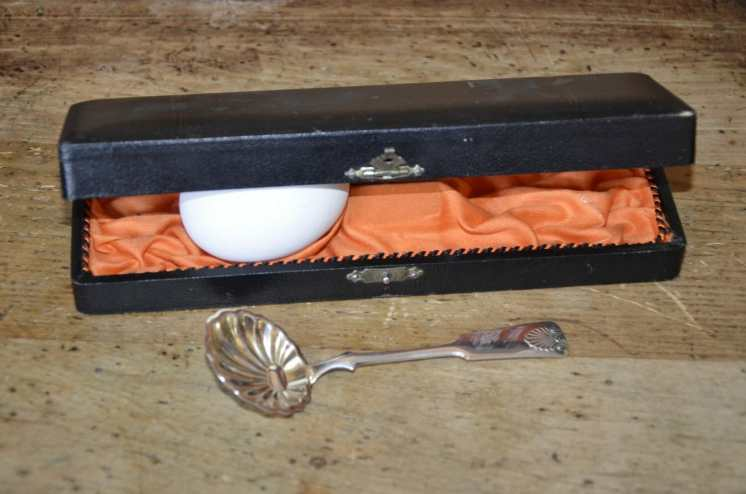 Sokerilusikka, Hopeatehdas Oy, U6 = 1949, paino 17 gr