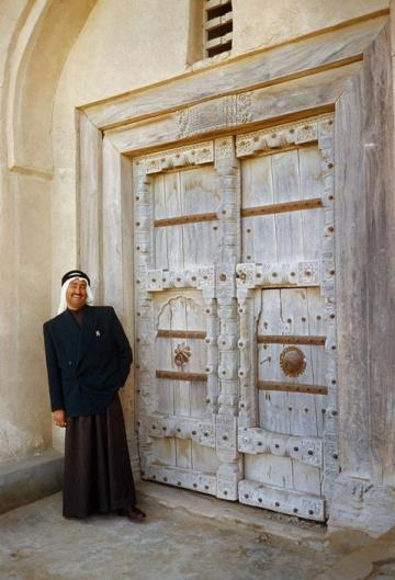 old door kuwait architecture building