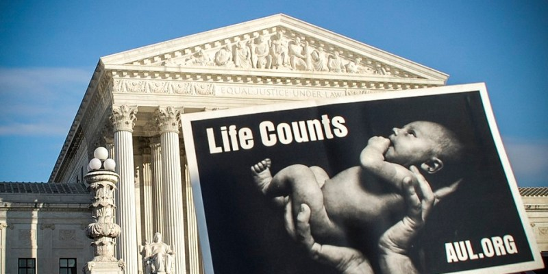 A Draft Opinion Overruling Roe v. Wade