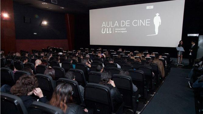 Aula-Cine-ULL-Multicines-Tenerife_906220748_102443737_667x375
