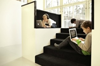 Window-Pods-with-room-for-individual-work_Design-RosanBosch_Photo-Kim-Wendt
