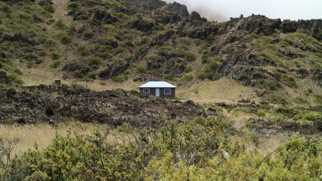 holua cabin haleakala backpacking hiking national park