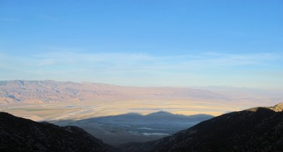 Owens Dry lake from Walt's Point. It is posible to hang glide hundreds of miles from here.