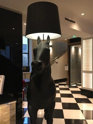 Hotel Lilla Roberts, Helsinki, art deco, hevosvalaisin, hotelli, staycation
