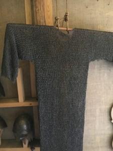 Keskiaika, raitapaita, aseet, viikingit