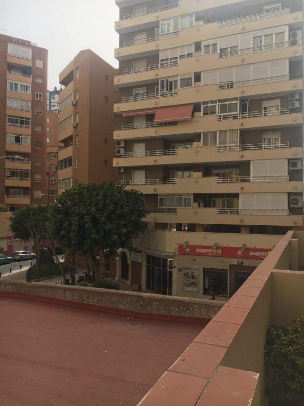 Málagan asuntomme näköala, ollaan barriossa