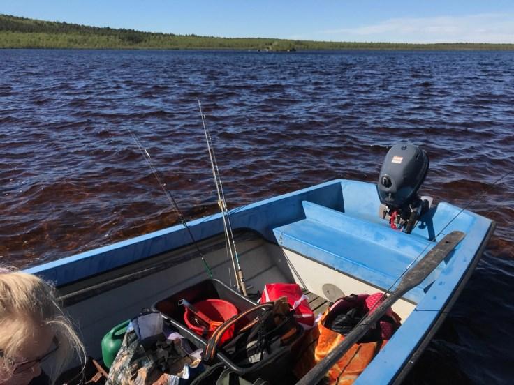 Giellajohka, Aksujärvi, kalastusloma, luontoretki, kalassa
