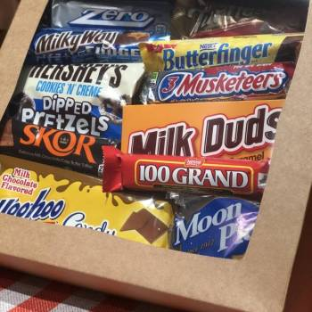 Awesome American gift box From Auntie ammies candy Shop