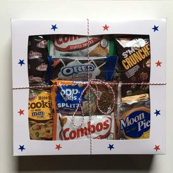 American Snackbox Selection Gift Box from Auntie Ammies American Candy Shop