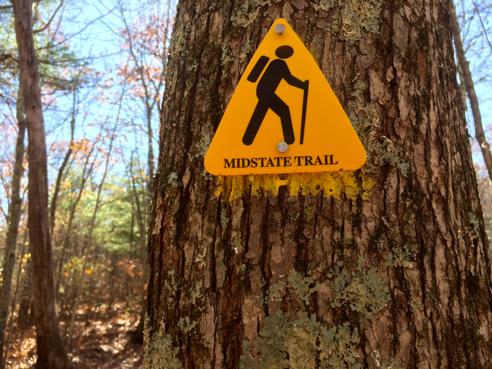 massachuetts mid-state trail marker