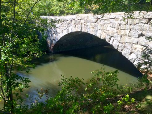 Bridge on Hartford Avenue in Uxbridge