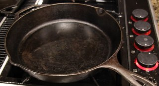 cast iron pan preheating