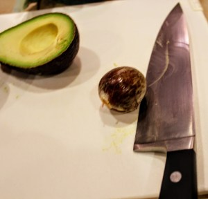 removing avocado pit from knife