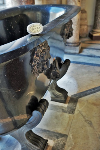 Auntie Clara's Travel Soap with Vatican bathtub