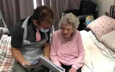 Cirecester Aura Care Resident's Message from Sir Cliff Richard
