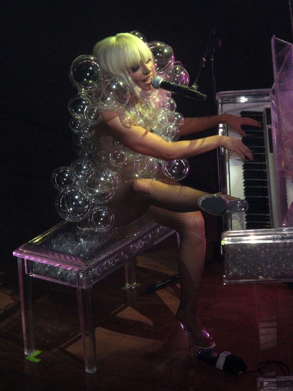 Gaga Bubble
