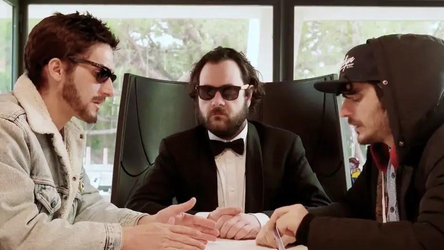 Il video virale che sbeffeggia la scena indie italiana