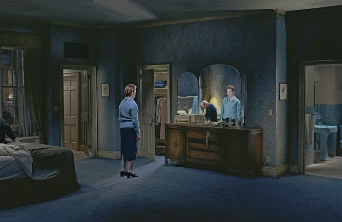 Gregory-Crewdson-blind_reflection1