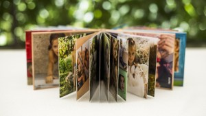 Photo albums: the best gift for your forever best friend