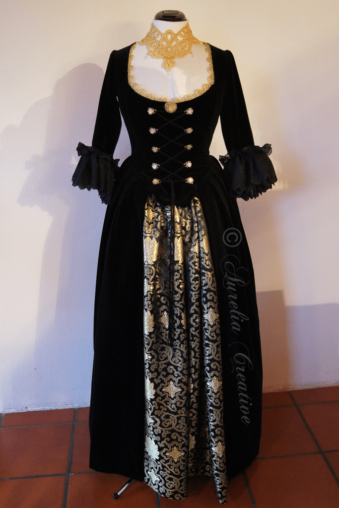 black-velvet-fertiges-kleid