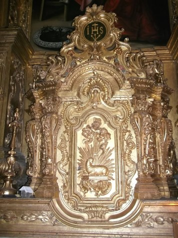 Tabernacle on side altarfor the Blessed Sacrament.