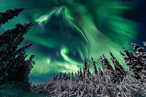 Aurora swirl trail