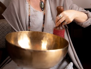 Tibetan Sound Bowl Healing - Aurora Facets Copyright