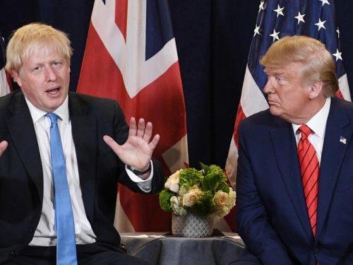 Boris Johnson accusa Donald Trump di danneggiare l'economia globale
