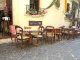 In Syracus. Ein Restaurant. Kein Antiquitätenhändler
