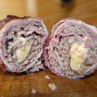 Gegrillte Speckrolle mit Käsekern - Bacon Bomb