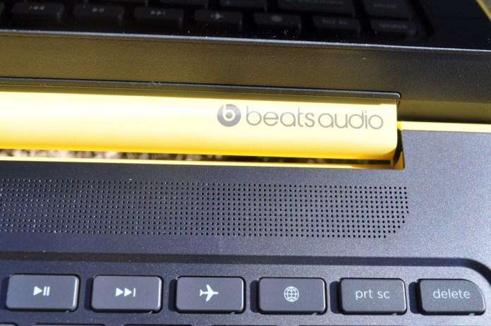 Beats Logo and Speaker
