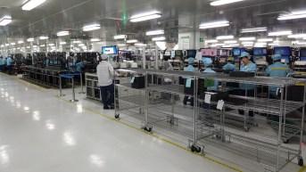 oppo-factory-floor