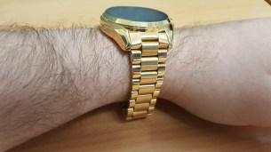 bradshaw-on-wrist