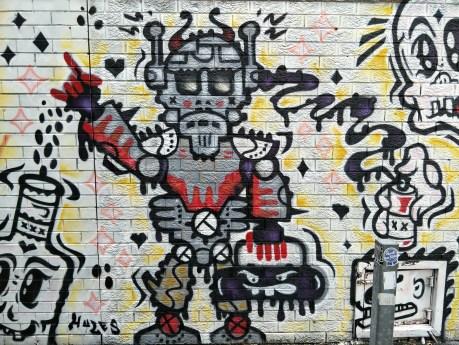 robot street art