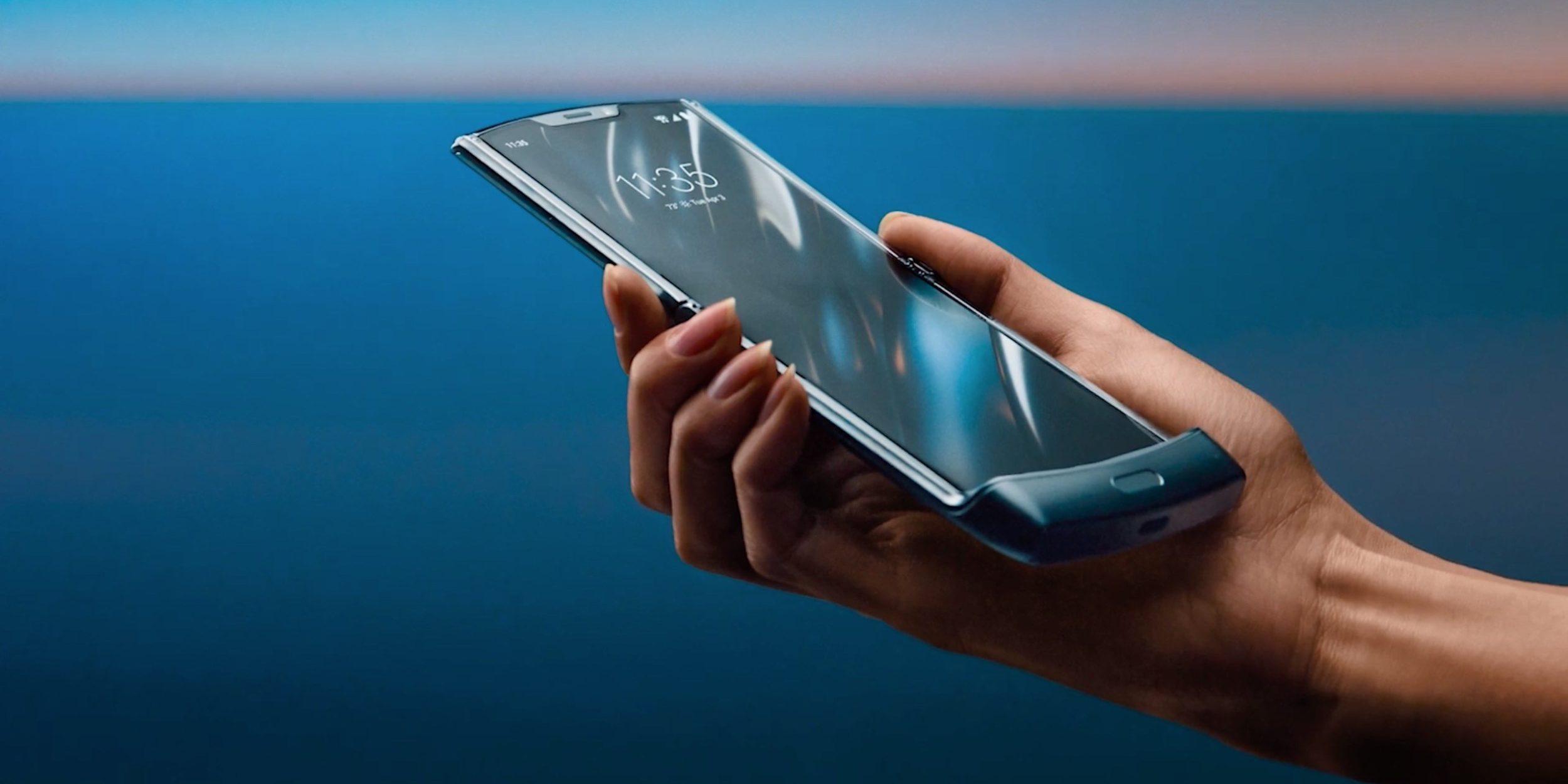 motorola-razr-android-foldable-cover