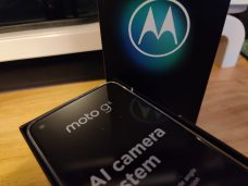 Moto G8 in box