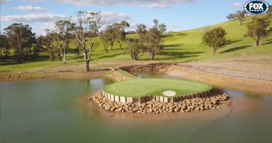Aussie bloke builds a replica of TPC Sawgrass island green in his backyard dam