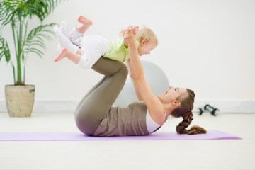 mummy- baby-exercising