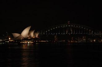 Blick von Mrs. Macquarie's Point bei Nacht