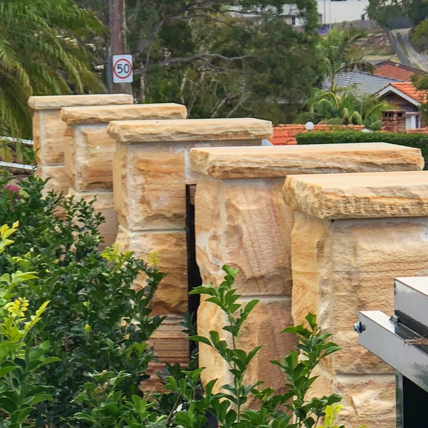 Burraneer Bay project using rock face cladding and capping